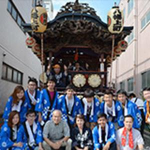 本学留学生が大学コンソーシアム八王子主催「留学生山車曳き体験」に参加しました