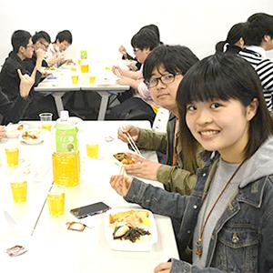 2016年度 新入生ランチ交流会開催